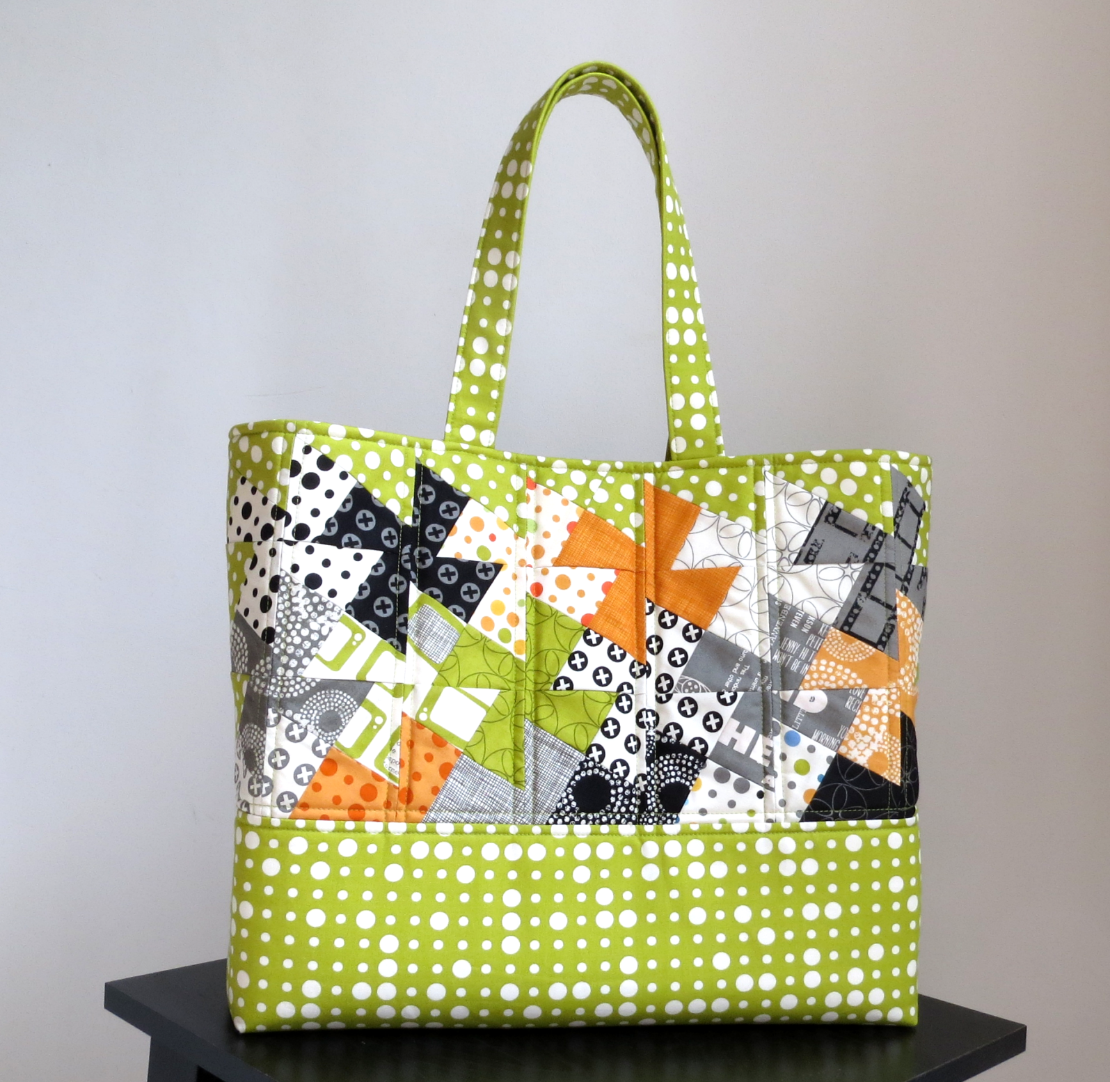 Tote #12 Simply Charming Twister Tote – Around the Bobbin